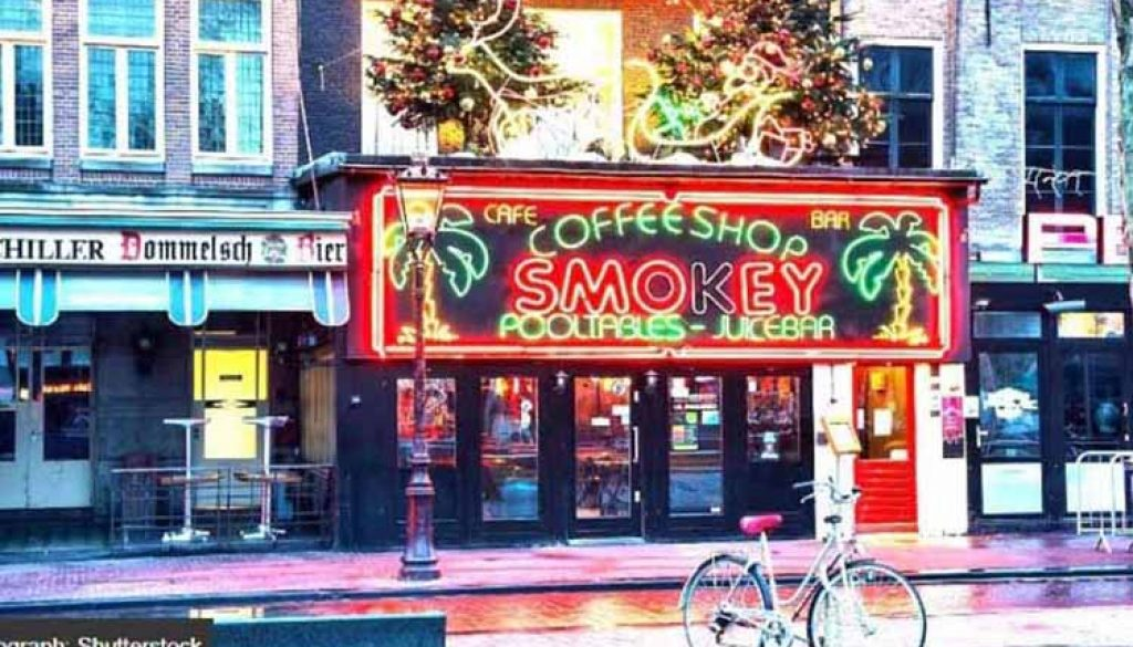 Coffee Shop Smokey At Rembrandt Square